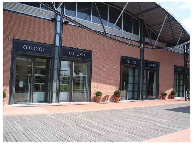 Gucci and Prada – Outlets shopping tour | Rome Limousine Service
